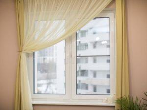 Пластиковые окна Рехау  в интерьере